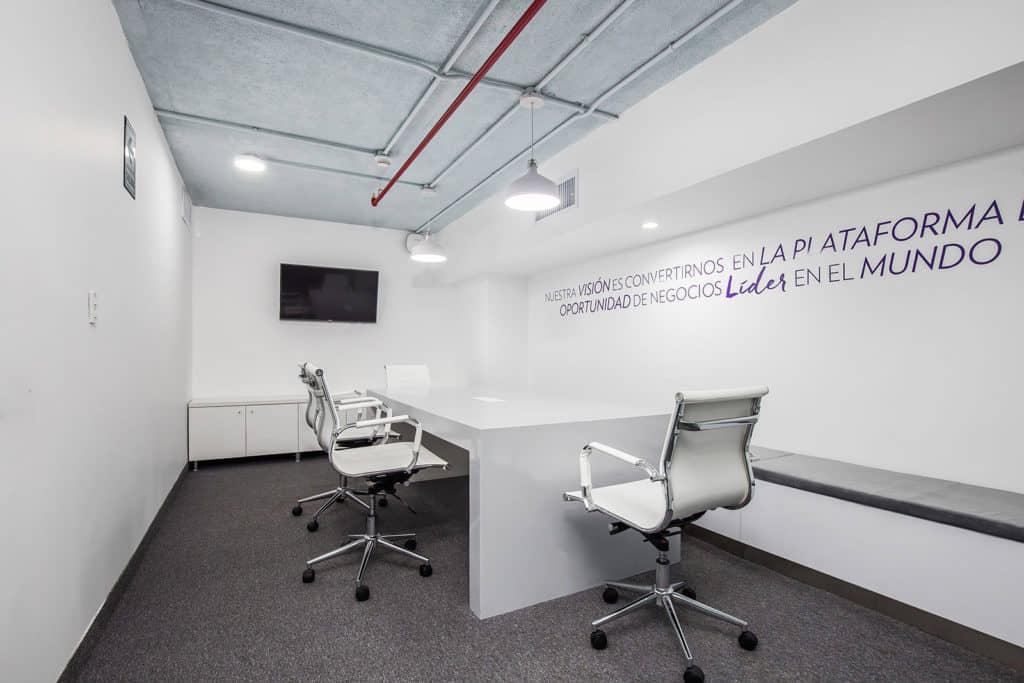 alt=sala de reuniones de Fluidez Nuskin centro de experiencia