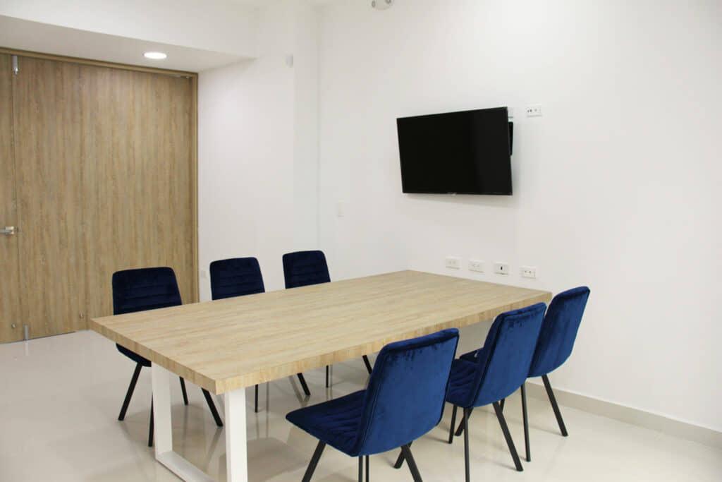 alt=sala de reuniones de fluidez y flexibilidad espacial