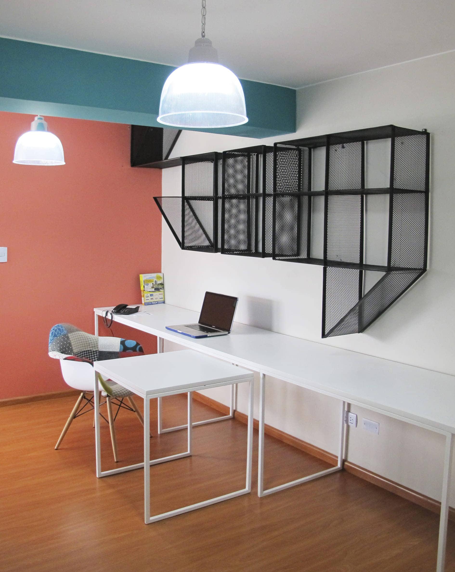 alt=home office del flat Italia