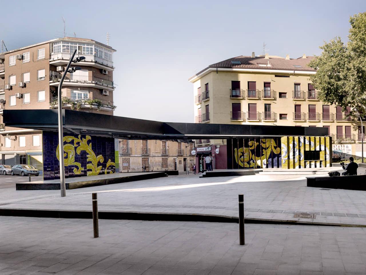 alt=Escenario de la Plaza el salvador